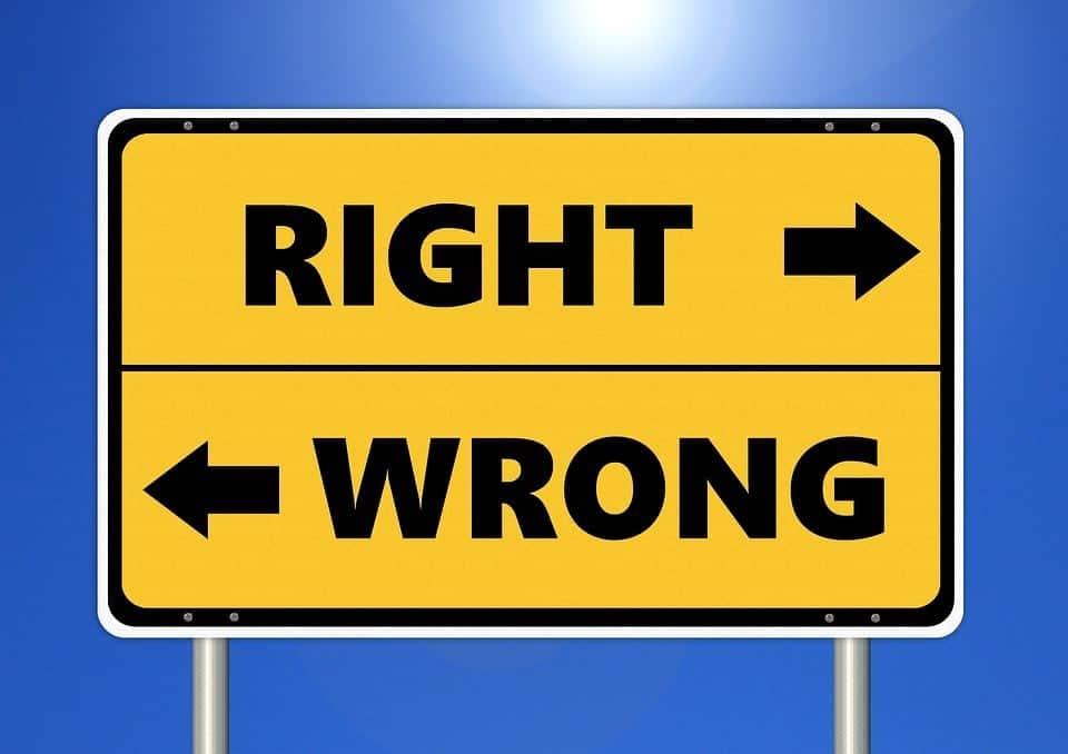 right way wrong way road sign